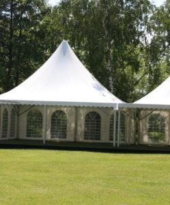 небольшие шатры для тимбилдинга