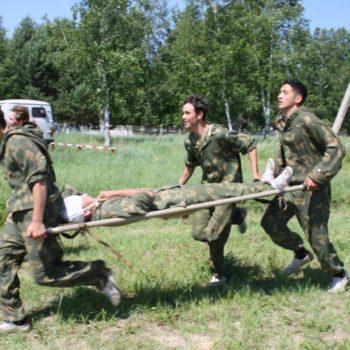 переноска раненого