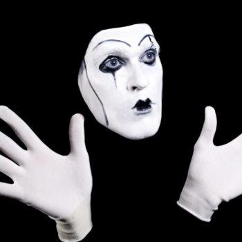 черно-белый мим