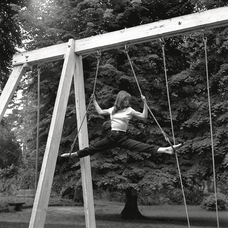 Бриджит Бардо на веревочных курсах