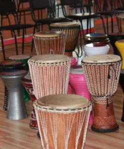 барабанный тренинг в офисе