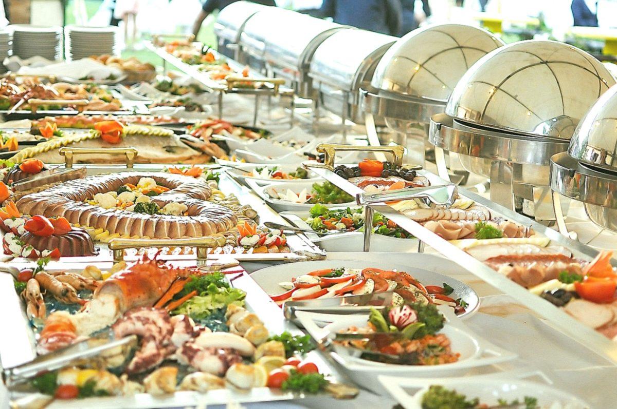 Полный сервис по организации выездного питания: Выездной Кейтеринг - правильный выбор