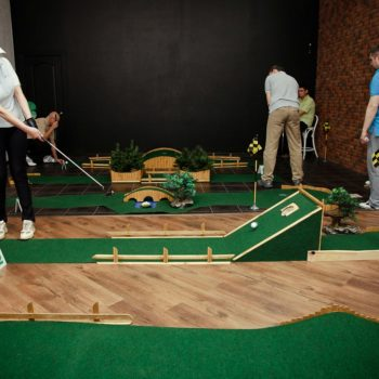 мини гольф в офис на корпоратив
