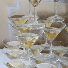 новогодний корпоратив пирамида шампанского